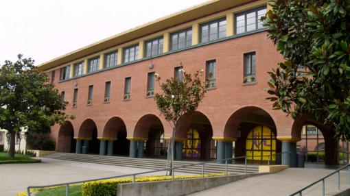 Trường Arbishop Riordan