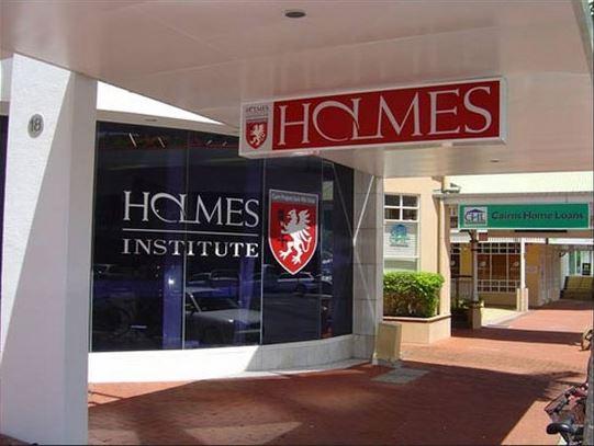 Học viên Holmes chi phí đào tạo rẻ