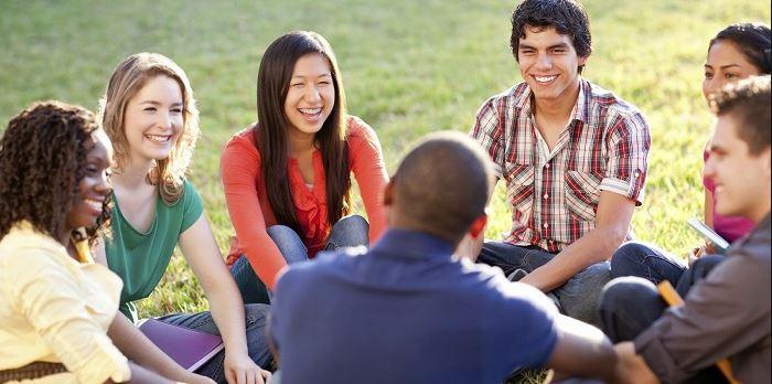 Thực hành kỹ năng nghe - nói cùng với bạn bè