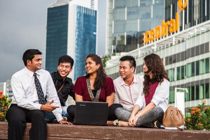 Nên học tiếng Anh tại Singapore