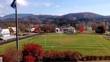 Sân thể thao trường trung học phổ thông tại Mỹ
