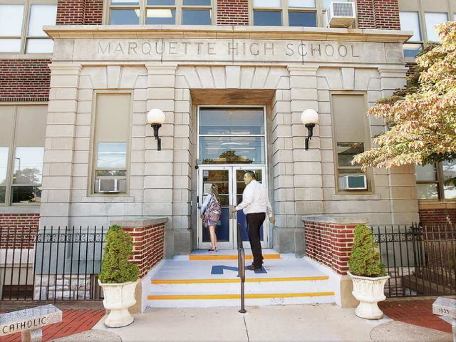 Marquette High School - Trường Công Giáo Ngoại Trú Tại Bang Indiana, USA