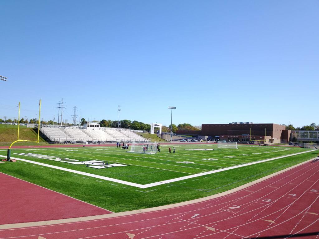 Khuôn viên sân vận động của Marquette High School